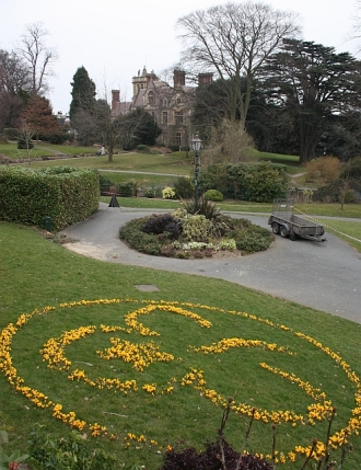 Girl_Guides_centenary,_Priory_Park_-_geograph.org.uk_-_1759682